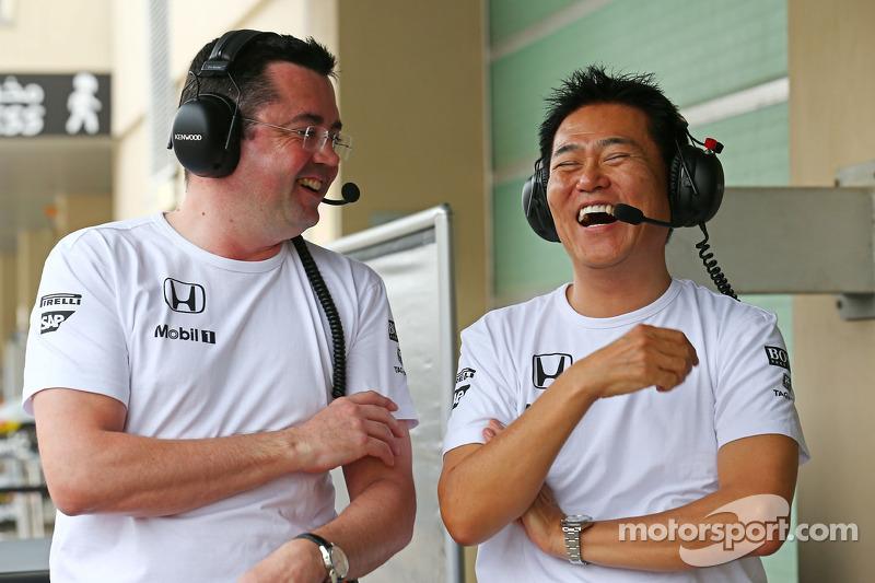 (I a D): Eric Boullier,director de McLaren Racing, con Yasuhisa Arai, director de Honda Motorsport