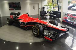 玛鲁西亚车队的赛车和配件拍卖