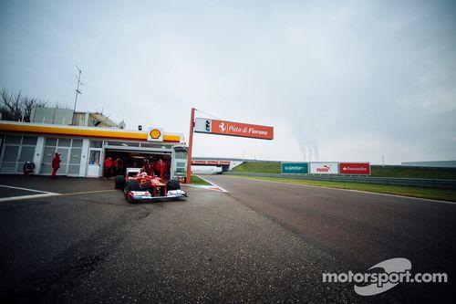 Sebastian Vettel tests Ferrari F2012