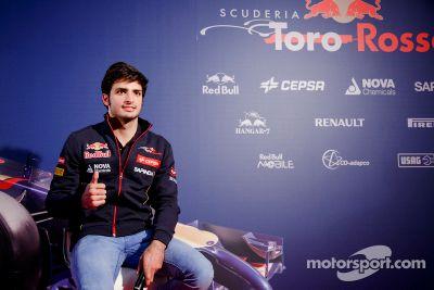 Carlos Sainz Jr. signs with Toro Rosso
