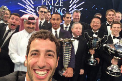 Daniel Ricciardo takes a selfie with Lewis Hamilton, Jean Todt and others
