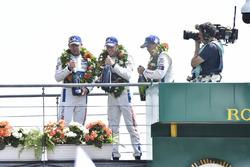 Podium LMGTE Pro : troisième place Joey Hand, Dirk Müller, Sébastien Bourdais, Ford Chip Ganassi Racing