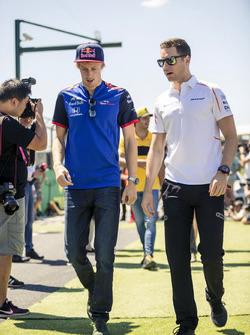 Brendon Hartley, Scuderia Toro Rosso and Stoffel Vandoorne, McLaren on drivers parade