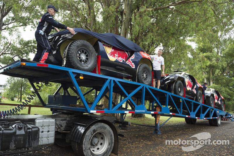 Peugeot Team arrives for testing