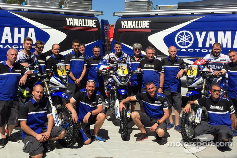 Tim Yamaha dengan pembalap Michael Metge, Olivier Pain, Alessandro Botturi