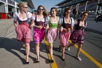 Gadis-gadis Bavaria - Austria di pit lane