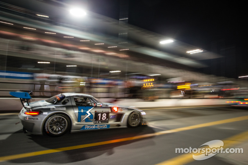#18 Preci - Spark Mercedes SLS AMG GT3: David Jones, Godfrey Jones, Philip Jones, Gareth Jones, Morg