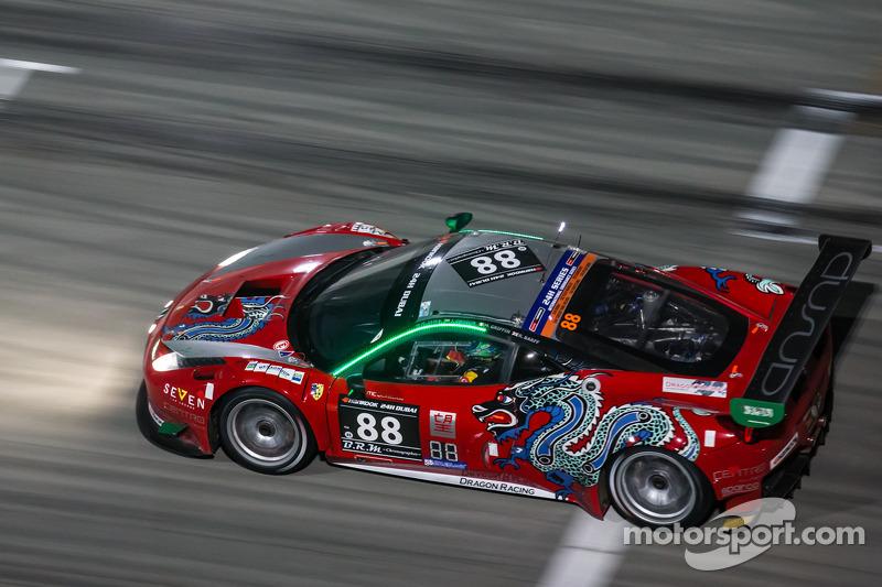#88 Dragon Racing, Ferrari 458 Italia GT3: Mohammed Jawa, Jordan Grogor, Matt Griffin, Rob Barff