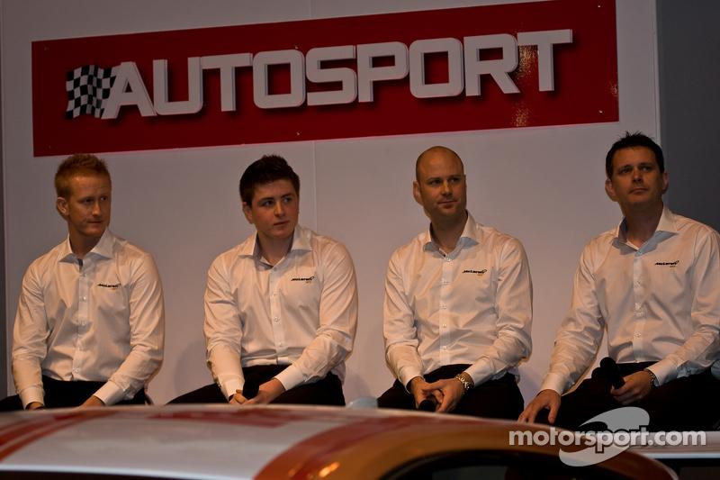 Mclaren Gt Driver from Left: Ross Wylie, Andrew Watson Роб Белл та Andrew Kirkaldy