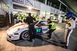 Boxenstopp für #97 GDL Racing, Porsche 991 Cup: John Iossifidis, Wee Lim Koeng, Michael Spiridinov, Melvin Moh