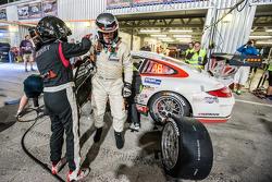 Pit stop #17 Ruffier Racing Porsche 997 Cup: Patrice Lafargue, Paul Lafargue, Gabriel Abergel