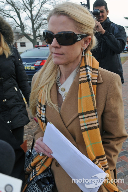 Patricia Driscoll deixa o tribunal depois de uma audiência sobre acusações de agressão movida contra