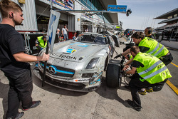 Pit stop para o # 18 Preci - Faísca Mercedes SLS AMG GT3: David Jones, Godfrey Jones, Philip Jones,