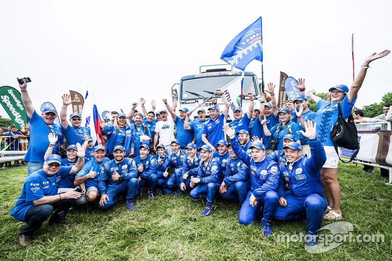 Kamaz Master, das Team feiert den Klassensieg bei den Trucks