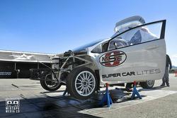ديرتفيش وتورسبورت يختبرون سيارة جي.آر.سي
