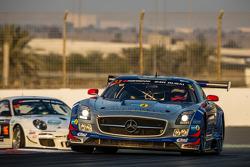 #33 SPS automotive-performance Mercedes SLS AMG GT3: Valentin Pierburg, Lance David Arnold, Patrick