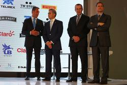 (L to R): Carlos Slim,empresario; Miguel Ángel Mancera, Jefe de Gobierno de la Ciudad de México; Francisco Maass Peña, Subsecretario de Turismo; Alejandro Soberon, CEO de Corporación Interamericana.