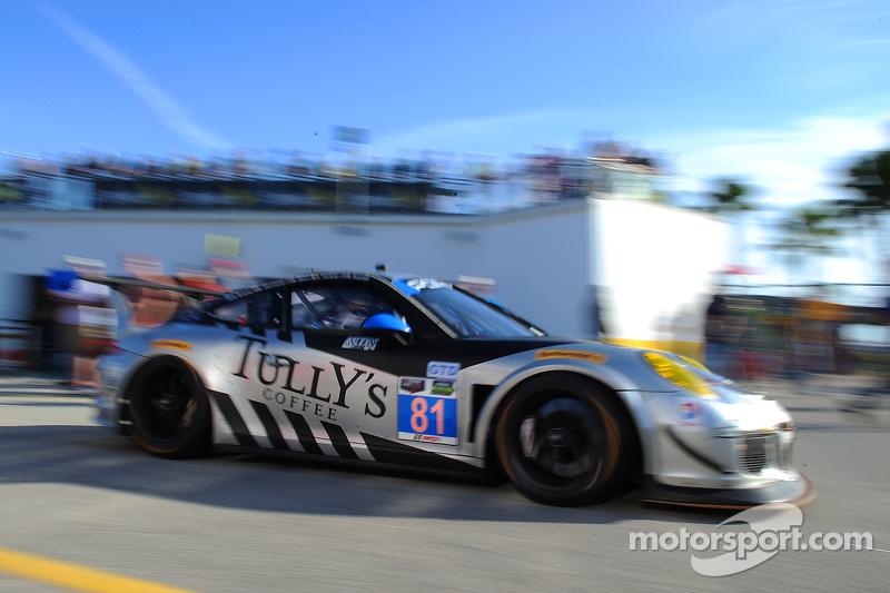 #81 GB Autosport, Porsche 911 GT America: Damien Faulkner, Kuba Giermaziak, Mike Skeen, Rory Butcher, Michael Avenatti