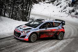 Thierry Neuville y Nicolas Gilsoul, de Hyundai i20 WRC, Hyundai Motorsport