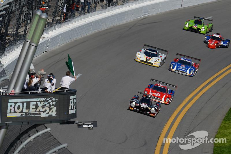 Start: #60 Michael Shank Racing, mit Curb/Agajanian Ligier JS P2 Honda: John Pew, Oswaldo Negri, A.J. Allmendinger, Matt McMurry, vor dem Feld