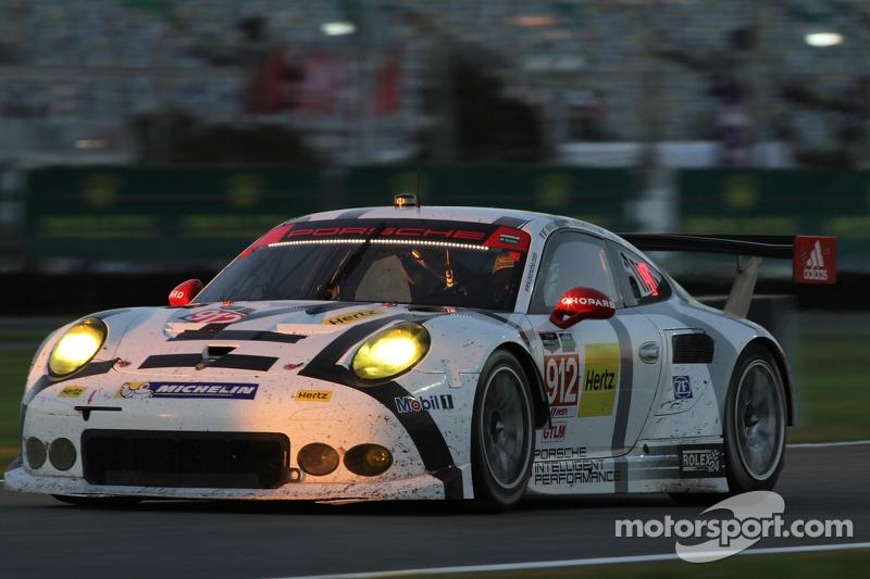 #912 Porsche North America Porsche 911 RSR: Jörg Bergmeister, Earl Bamber, Frederic Makowiecki