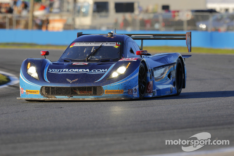 #90 VisitFlorida.com Racing, Corvette DP: Richard Westbrook, Michael Valiante, Mike Rockenfeller, Gu