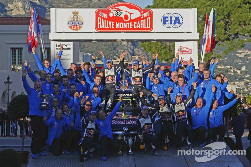 Los ganadores Sébastien Ogier y Julien Ingrassia, Volkswagen Polo WRC, del equipo Volkswagen Motorsport