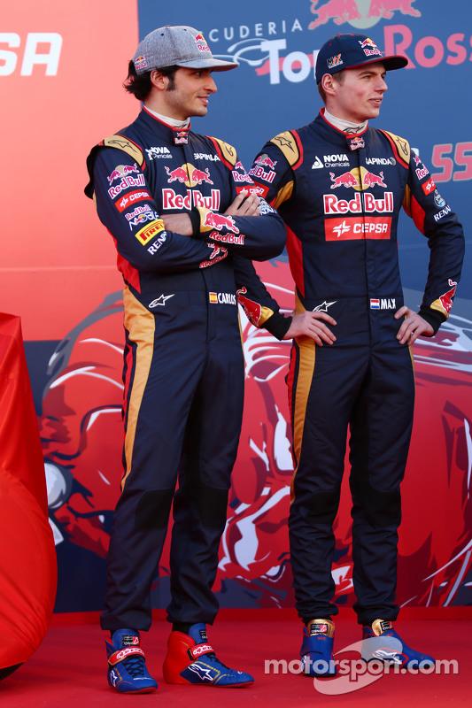(E para D): Carlos Sainz Jr., Scuderia Toro Rosso com o companheiro de equipe Max Verstappen, Scuder