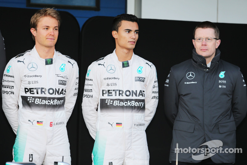 (da sinistra a destra): Nico Rosberg, Mercedes AMG F1; Pascal Wehrlein, terzo pilota Mercedes AMG F1