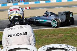 Lewis Hamilton, Mercedes AMG F1 W06 stops on the circuit