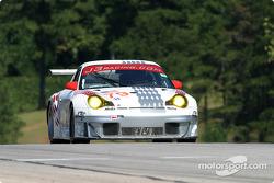 La Porsche 911 GT3 RSR n°79 J-3 Racing : Tim Sugden , Justin Jackson, Xavier Pompadou