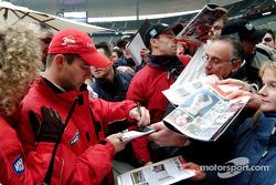 Sébastien Loeb with fans