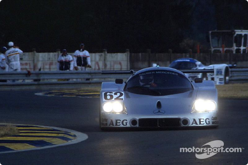 #62 Team Sauber Mercedes Sauber-Mercedes C9: Jean-Louis Schlesser, Jean-Pierre Jabouille, Alain Cudini