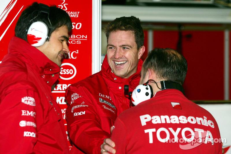 Ralf Schumacher with Dieter Gass and Mike Gascoyne