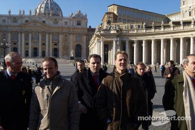 Ferrari bei der Papstaudienz