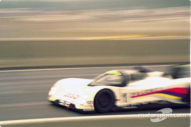 #1 Peugeot Talbot Sport Peugeot 905 Evo 1 Bis: Derek Warwick, Yannick Dalmas, Mark Blundell