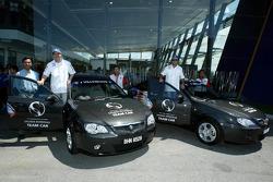 Visit of Karyaneka: Jacques Villeneuve and Felipe Massa