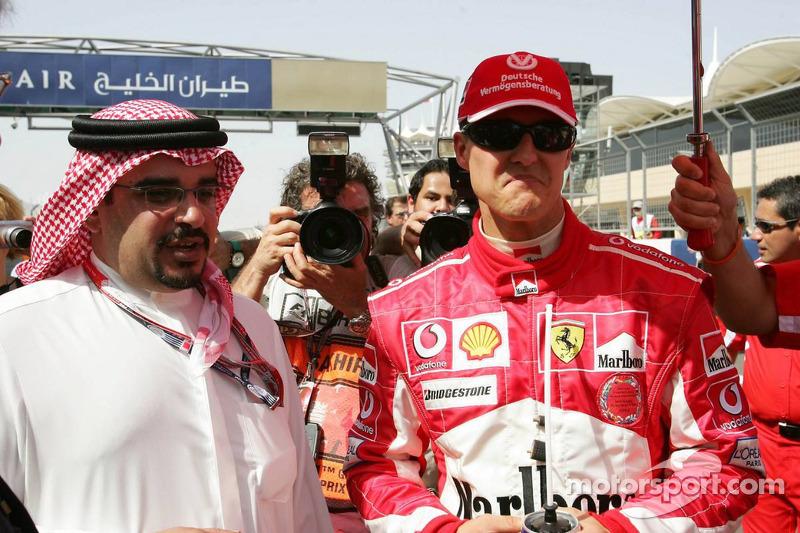 Fuerza Michael Schumacher con Alteza Shaikh Salman Bin Hamad Al Khalifa, príncipe heredero y comanda