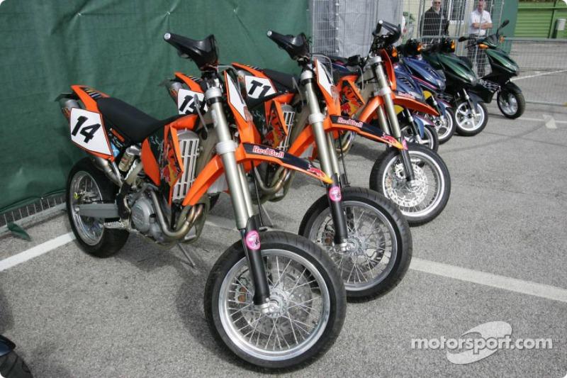 Team motorbikes