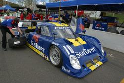 SunTrust Racing crew members at work