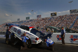 Robert Hight vs. his boss, John Force