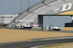 #5 Jim Gainer International Dome Mugen: Ryo Michigami, Seiji Ara, Katsumoto Kaneishi, #2 Champion Racing Audi R8: Frank Biela, Allan McNish, Emanuele Pirro