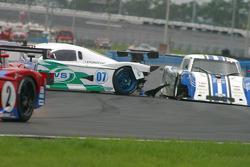 Accident between #07 Spirit of Daytona Racing Pontiac Crawford: Bob Ward, Roberto Moreno and #15 CB