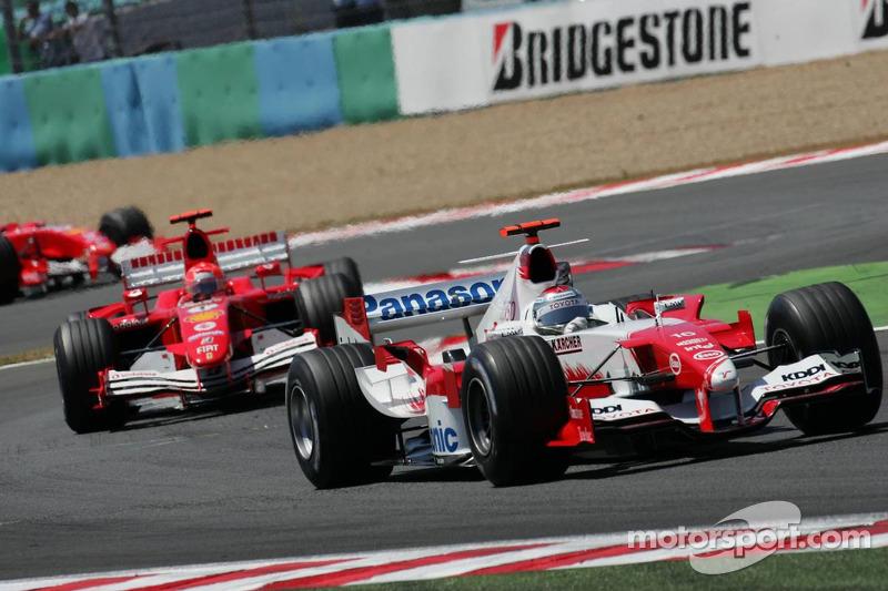 Jarno Trulli y Michael Schumacher