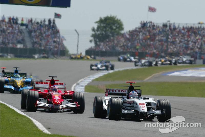 Kimi Raikkonen ve Rubens Barrichello