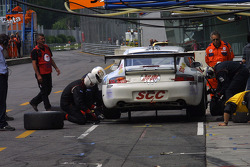 Pitstop for #90 Sebah Automotive Porsche 996 GT3 RSR: Xavier Pompidou, Marc Lieb