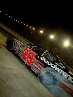 Kevin Harvick smokes the tires out of the pit