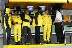 Narain Karthikeyan and Tiago Monteiro at pitwall