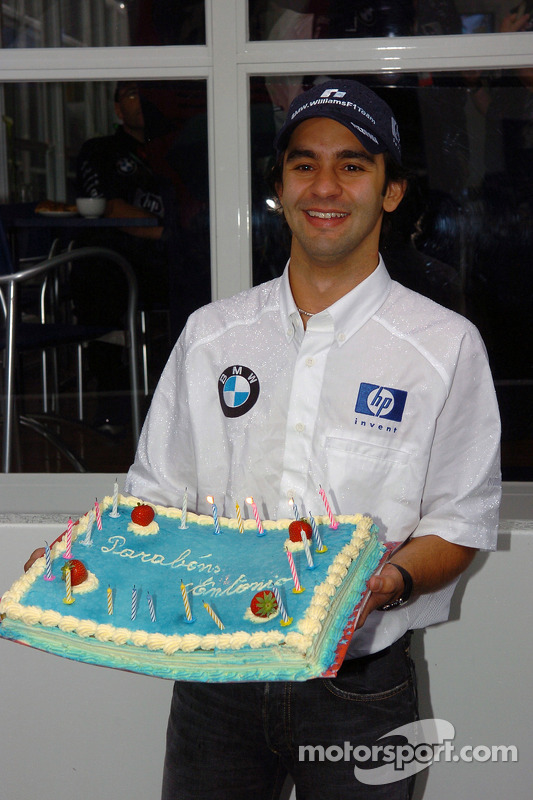 Antonio Pizzonia celebrates his 25th birthday