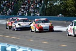 #81 Synergy Racing Porsche GT3 Cup: Mae Van Wijk, Craig Stanton, #71 SAMAX Porsche GT3 Cup: Mark Greenberg, Ryan Dalziel